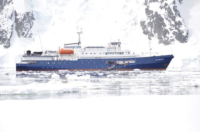 意外と知られていない南極への行き方とは?