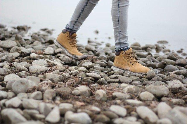trekking-shoes-03